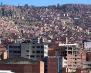 Many inhabitants of the city of La Paz in Bolivia live in extreme poverty. A persistent myth is that urban poverty is driven by large numbers of poor migrants (Photo: Lemurian Grove, Creative Commons via Flickr)