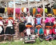 The Potato Park's Craft micro-enterprise group. Biocultural heritage indicators that are a guarantee of origin and authenticity have increased incomes and improved social cohesion at the Potato Park (Photo: Asociacion ANDES (Peru))