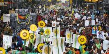 More than 300,000 marched in New York to call for action on climate change (Photo: John Minchillo)