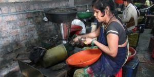 Women work in an Agarbatti (incense stick) factory (Photo: Urban Health Resource Centre)