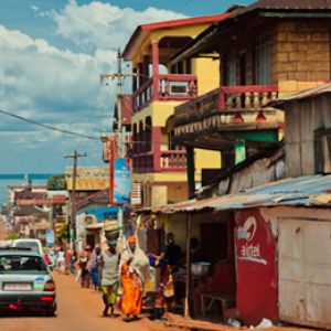 A street in Freetown, Sierra Leone: involving growing low-income urban populations in urbanising countries will help result in more inclusive urbanisation (Photo: bobthemagicdragon, Creative Commons, via Flickr)