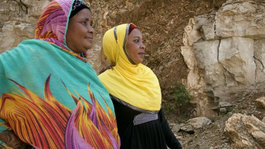 In Tanzania, former artisanal mining licensees Mwanahamisi Mzalendo and Mwanamkasi Rasi are among entreprenurial women who have pooled their resources to create a quarrying business. They control the day-to-day running of the quarry, including supervising labourers, dealing with the local authorities, and taking care of the site's environmental footprint (Photo: Magali Rochat/IIED)